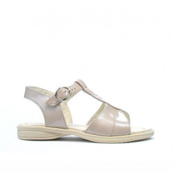 Small children sandals 40c patent beige pearl