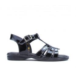 Small children sandals 53c patent black