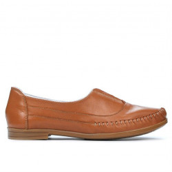Women loafers, moccasins 675 brown