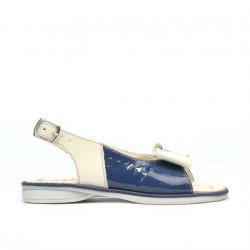Small children sandals 58c patent indigo+beige