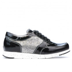 Women sport shoes 682 patent black combined