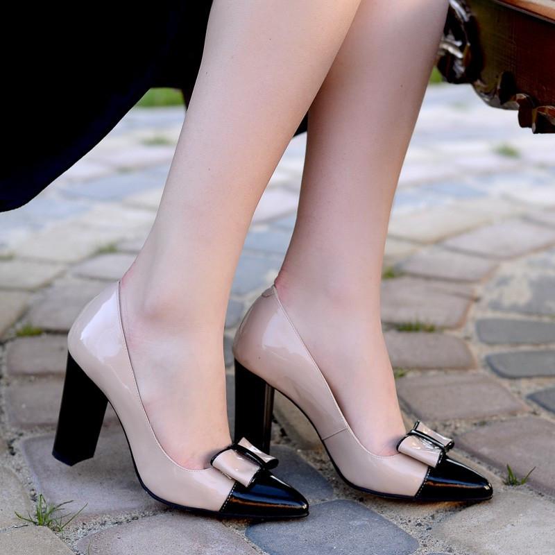 Резултат со слика за photos of women with  elegant shoes