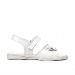 Small children sandals 55c patent white