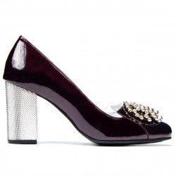 Women stylish, elegant shoes 1272 patent bordo